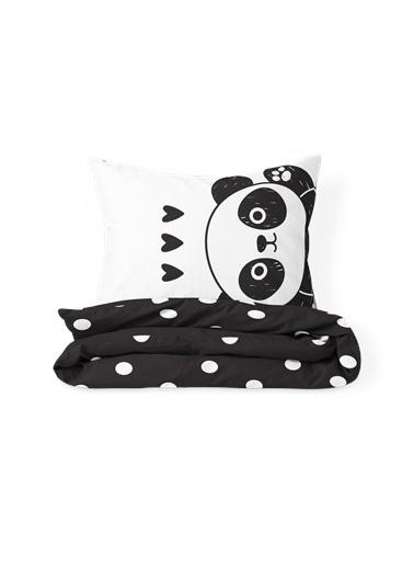 Helen George Panda Çift Kişilik Nevresim Takımı Siyah